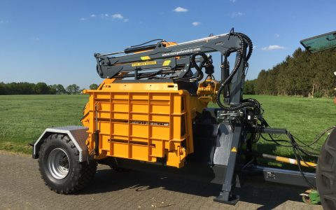 Europe Chippers EC 1060 PTO Crane.3