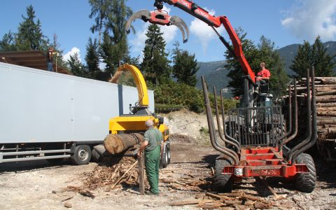 Europe Chippers EC 1060 Tandem 275 HP
