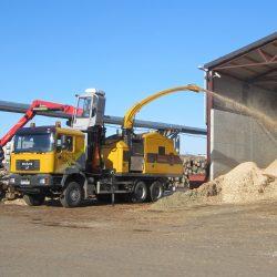Europe Chippers EC 1175 Truck mount crane cabin.1