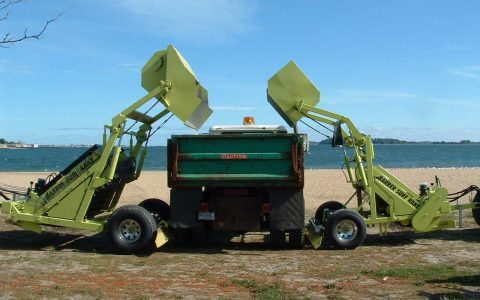 beach-cleaner-dump